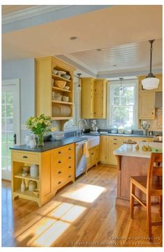 Yellow Kitchen Designs, Country Kitchen Designs, Kitchen Yellow, Yellow Country Kitchens, Bright Kitchen Colors, Kitchen Grey, Kitchen Country, Bright Colors, Farmhouse Kitchen Cabinets