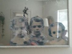 How To Make a Haunted Mirror - great tutorial for a creepy ghost kid mirror. I'd look for a more round or oval frame to look like an old timey mirror and probably fray the edges of the paper before I glue them on. Halloween Prop, Image Halloween, Fröhliches Halloween, Adornos Halloween, Halloween Haunted Houses, Holidays Halloween, Diy Halloween Decorations Scary, Diy Haunted House Props, Haunted House Decorations