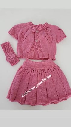 Baby Cardigan Knitting Pattern, Baby Knitting Patterns, Knitting Designs, Crochet Designs, Baby Patterns, Knit Baby Dress, Knitted Baby Clothes, Baby Girl Party Dresses, Vogue Knitting