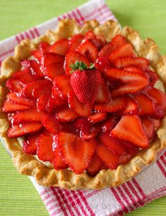 Strawberry Coconut Cream Pie > Willow Bird Baking