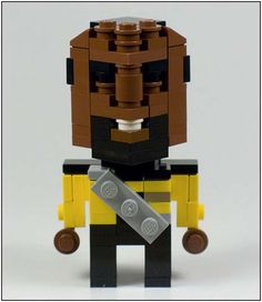 """Lt. Worf--in Legos!  {Site has other """"Dudes Made from LEGO Cubes""""}"""