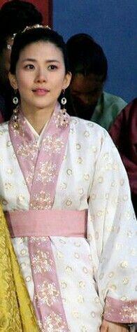 Dong Yi, Lee Bo Young, Sari, Princess, Fashion, Saree, Moda, Fashion Styles, Fashion Illustrations
