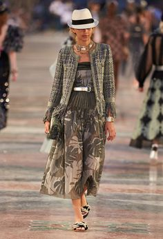 Ready-to-wear - Cruise 2016/17 - Look 17 - CHANEL