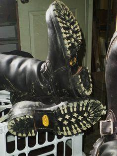 man lick woman boots