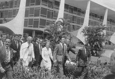 Ha vinte anos, o Brasil viveu uma das maiores crises institucionais da republica. Em 29 DE Setembro de 1992, A Camara inicia de fato o processo de cassação do primeiro presidente eleito pelo povo, após o golpe militar de 1964, o senador Fernando Collor de Mello (Foto: Elza Fiuza/ABr)