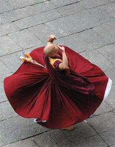 """artemisdreaming: """" Tibetan Ritual Dance-The Tashi Lhunpo Monks of Tibet teach a simple Cham, or sacred dance, which is a feature of many Tibetan festivals. Accompanied by traditional Tibetan instruments, the Cham dancer performs solemn movements. Buddhist Monk, Tibetan Buddhism, We Are The World, People Of The World, Ritual Dance, Samurai, India, Tantra, Just Dance"""