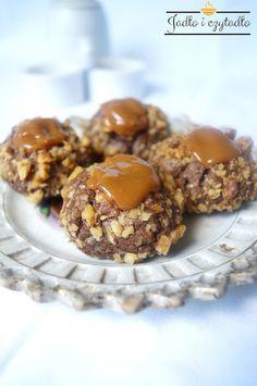 Jadło i czytadło: Orzechowe ciasteczka z kajmakiem