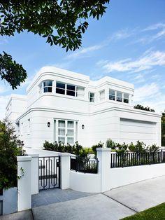 24 Beautiful Art Deco Home Interiores - # - Art Deko Stil - Arquitetura Cultural Art Deco Bar, Casa Art Deco, Art Deco Stil, Art Deco Lamps, Art Deco Home, Modern Art Deco, Art Deco Design, Art Deco Mirror, Design Design