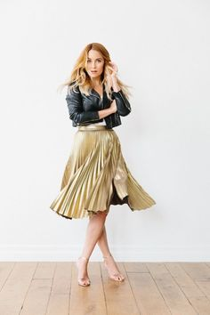 || Rita and Phill specializes in custom skirts. Follow Rita and Phill for more midi skirt images. https://www.pinterest.com/ritaandphill/midi-skirts