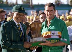 The late Hansie Cronje posing with Madiba Nelson Mandela, Sports Stars, African History, Cricket, Champion, Hero, In This Moment, Baseball Cards, Legends
