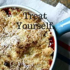 strawberry and coconut oil crumble! Treat Yourself, Coconut Oil, Oatmeal, Strawberry, Treats, Healthy, Breakfast, Sweet, Food