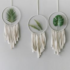 DIY home decor article 7269318317 - Simple to inexpensive stylish images for a wonderfully dazzling space. For another amazing message , check out the image link this second. Mur Diy, Macrame Wall Hanging Diy, Hanging Plant, Boho Room, Macrame Patterns, Boho Diy, Diy Home Crafts, Diy Wall Decor, Wall Decorations