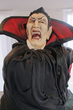 #Dracula #Cake #Halloween #Vampire We totally love and had to share! Great #CakeDecorating!
