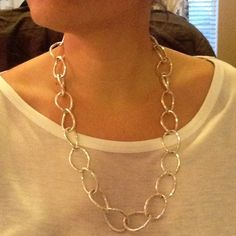 NWOT Silver Loop Necklace 24 in. Silver Loop Necklace with clasp. Perfect for any outfit! Never worn. Jewelry Necklaces