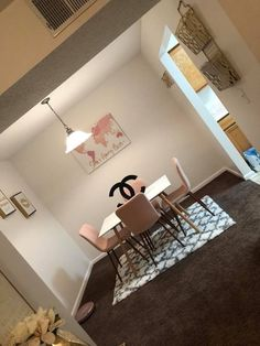 Home Decor unqiuely pleasing make-over number 8289327238 . Require for additional refreshing room decor info, kindly pop to the pin-image now. First Apartment Decorating, 1st Apartment, Dream Apartment, Apartment Living, Apartment Ideas, Living Room Decor Cozy, Bedroom Decor, Bedroom Ideas, Glam Room