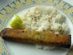 Rouleaux croustillants aux épinards:   Des rouleaux de feuilles de brick, garnis d'une farce aux épinards, oeufs durs, lardons et oignons. Les rouleaux sont servis avec un riz aux noix de cajou.