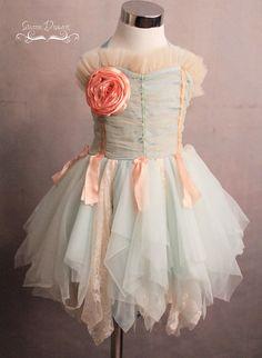 Leuke verkleedjurk om zelf te maken. Girls Dress PDF Sewing Pattern Isla Eve