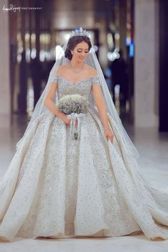 45 Fancy Wedding Dress Ideas That Every Women Will Love - Every bride wants to look picture perfect for her wedding day. Choosing the best wedding dress for you will help you create that perfect wedding day p. Fancy Wedding Dresses, Muslim Wedding Dresses, Weeding Dress, Princess Wedding Dresses, Elegant Wedding Dress, Bridal Dresses, Wedding Gowns, Reception Gown, Dress Vestidos