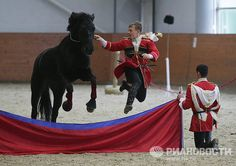 On October 20, the final leg of the Moscow-Paris 1812-2012 Horse Cavalry March, commemorating the 200th anniversary of Napoleon's Russia Campaign, will take place in the city of Fontainebleau in France. The event program includes a grandiose show involving the State Academic Kuban Cossack Choir, the Academic Song and Dance Ensemble of the Russian Army, as well as a combined unit of the Honorary Cavalry Escort of the Presidential Regiment and the Kremlin Equestrian Riding School.