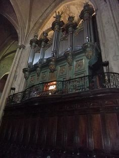 """Inside Aix Cathedral (Cathédrale Saint-Sauveur d'Aix-en-Provence) in Aix-en-Provence. The """"green and gold organ,"""" was built between 1743 and 1746 by Brother Jean-Esprit Isnard, a Dominican from the convent of Tarascon, who built several other notable organs in Provence."""