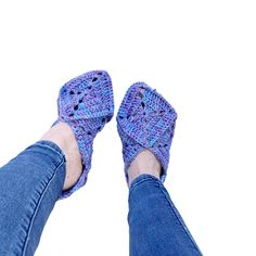 Flip Flops, Slippers, Sandals, Projects, Shoes, Women, Fashion, Log Projects, Moda
