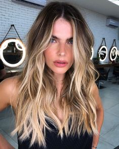 50 Best Hair Colors - New Hair Color Ideas & Trends for 2020 - Hair Adviser Brown Hair Balayage, Brown Blonde Hair, Hair Color Balayage, Balyage Long Hair, Blone Hair, Ombre Hair Color, Balayage With Highlights, Blond Hair Colors, Blonde Highlights On Brown Hair