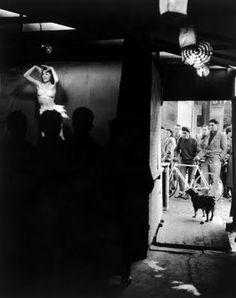 La donna nuda su una rivista è come la piuma nella trapunta: la gonfia morbidamente e fa bene alle vendite (R. Doisneau)