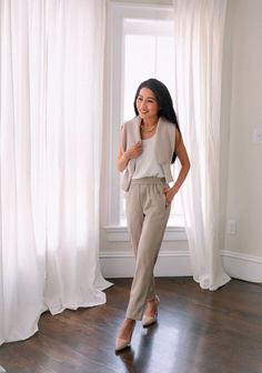 how to style faux leather pants or leggings for petite women // spring workwear ideas Business Casual Outfits, Professional Outfits, Extra Petite, Spring Outfits, Work Outfits, Spring Fashion Trends, Faux Leather Leggings, Ankle Pants, Petite Fashion