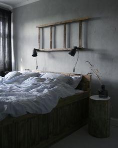 Bedroom💭 @interior_by_mariarasmussen  #bedroom #bedding #chalkpaint Norwegian House, Own Home, Chalk Paint, Rest, Home And Garden, Bedroom, Interior, Bedding, Furniture