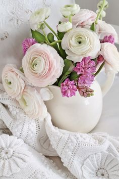 syflove:pink ranunculus