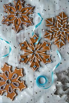 Cocktail-lajitelma | Reseptit | Kinuskikissa Nail File, Something Blue, Gingerbread Cookies, Brown Sugar, Cookie Cutters, Cocktails, Christmas Decorations, Instagram Posts, Food