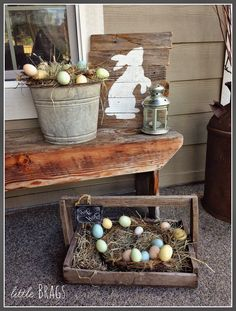 Easter Decorations: How to Make Bunny ArtRustic reclaimed wood signs are all the rage! Using pallet wood makes these signs a cheap and easy DIY to add to your Easter Decorations. Spring Crafts, Holiday Crafts, Holiday Decor, Hoppy Easter, Easter Bunny, Diy Ostern, Easter Parade, Easter Celebration, Diy Décoration