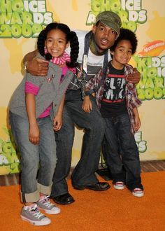 Marlon Wayans with his kids