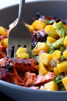 BBQ Salmon Bowls with Mango Avocado Salsa An easy and impressive dinner with yummy smoky-sweet flavor and a zip of zesty homemade salsa to take it over the top The BEST weeknight dinner salmon dinner seafood bbq Best Seafood Recipes, New Recipes, Cooking Recipes, Bbq Fish Recipes, Recipes With Mango, Mango Recipes For Dinner, Yummy Dinner Ideas, Baked Tilapia Recipes, Tuna Steak Recipes