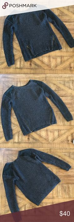 URBAN OUTFITTERS SWEATER URBAN OUTFITTERS SILENCE & Noise SWEATER. Can be worn with zippers open or closed in front. Like new, worn three times! Urban Outfitters Sweaters