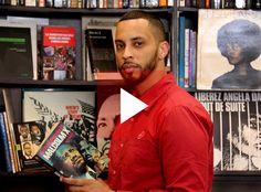"""""""Je veux que tout le monde lise Malcolm X, des frères Kouachi à ma mère"""" : le rappeur Disiz invite à redécouvrir Malcolm X. Le 5 mai 2015, il est aussi rédacteur en chef d'un jour sur le site de France Inter. Reportage : Christine Siméone // Photos : Arnaud Delubac"""