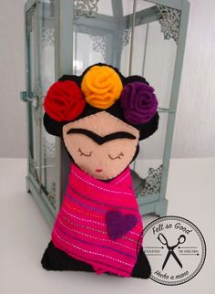 Frida Khalo felt doll. 15 cm Felt so Good