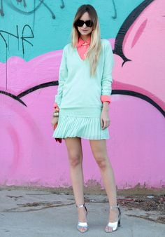 lusting after this whole pastel + neon look by @lateafternoon