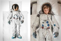SNURK is a Dutch brand that sells some very original duvet covers, like this cool Astronaut cover. The suit printed on the cover is actually real, from the official European Space Agency, giving it a more realistic look. Hobbit Playhouse, Sunken Trampoline, Monster Backpack, Creative Beds, Bed Sets, Grumpy Cat, Bed Covers, Little People, Bedding Sets
