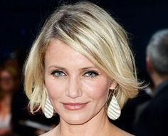 Cameron Diaz's Blonde Hair In Short Bob With Side Bangs
