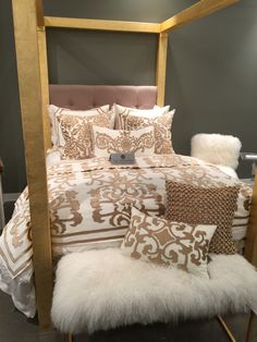 There were so many great finds at Las #Vegas Market's (#LVMKT) #2015 show. I couldn't contain my excitement when I found this beautiful #bedding. Would you throw yourself on this #bed? I sure would!!! #InsideStyle