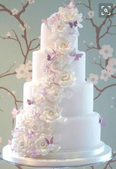 Wedding cake as 2 tiers