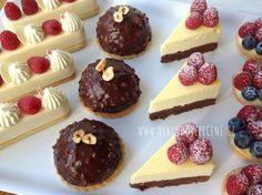 VÍKENDOVÉ PEČENÍ: Čokoládové dortíky s oříškovou polevou Mini Cakes, Christmas Cookies, Nutella, Mousse, Cheesecake, Food And Drink, Pudding, Cupcakes, Baking