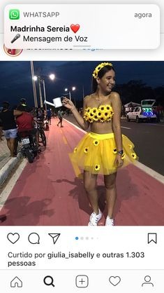 Working up creative Halloween costumes for Women's 2019 suggestions that are affordable, and pertinent to 2019 is not an easy job but if your're looking Homemade Halloween Costumes, Scary Costumes, Group Halloween Costumes, Carnival Costumes, Couple Halloween, Halloween Outfits, Costumes For Women, Halloween Ideas, Flower Costume