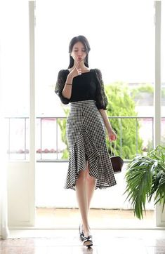 Korean Fashion – Designer Fashion Tips Korean Girl Fashion, Korean Fashion Trends, Vestidos Fashion, Fashion Dresses, Women's Fashion, Fashion Stores, Fashion Brand, Fashion Jewelry, Mode Ulzzang