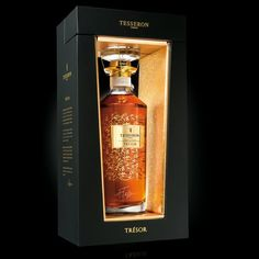 Tesseron Cognac - Signature Collection on Packaging Design Served Perfume Packaging, Luxury Packaging, Bottle Packaging, Cool Packaging, Brand Packaging, Packaging Design, Label Design, Design Design, Graphic Design