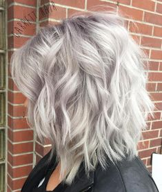 50 Best Haircuts for Thick Hair in 2020 - Hair Adviser - - Do you feel like it's time to breathe new life into your thick tresses? Here are 50 most flattering haircuts for thick hair you'll love! Medium Shaggy Hairstyles, Short Hairstyles For Thick Hair, Haircut For Thick Hair, Sleek Hairstyles, Grey Hair Haircut, Wedding Hairstyles, Lob Haircut, Celebrity Hairstyles, Braided Hairstyles