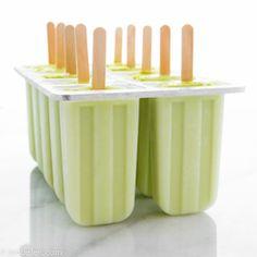 Mango Banaan Avocado IJslollies. Heerlijk ijslolly zonder kunstmatige toevoegingen. Avocado met zoete mango en banaan en kokosroom.