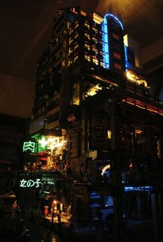 Lego Cyber-City. What I could only Dream of Building as a  RugRat