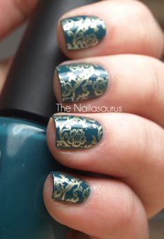 Love, love, love this color when used with gold. How amazing are these teal #nails?! #PrivateLagoon